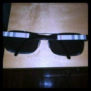 Burberry men sunglasses